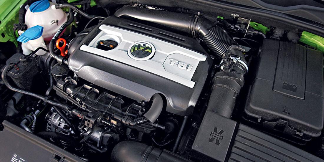 03/11 aumospo06/2011  VW Scirocco 2.0 TSI, Motor