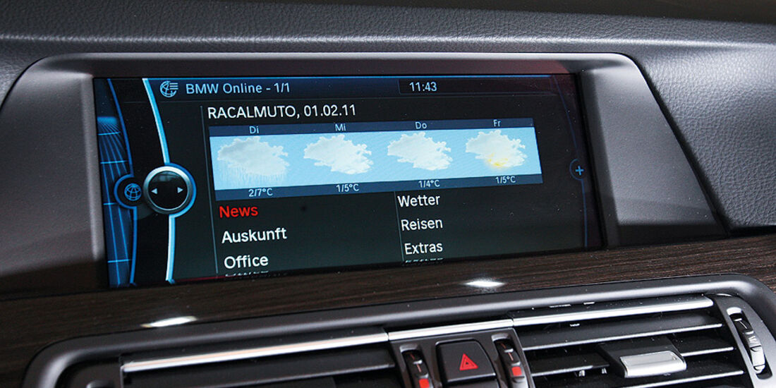 03/2011 BMW 530d, aumospo 06/2011, Allrad, Navigationsbildschirm