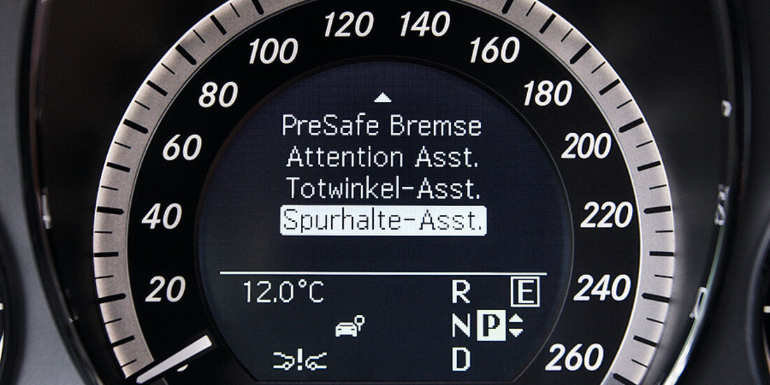 03/2011 Mercedes E 350CDI, aumospo 06/2011, Allrad, Tacho