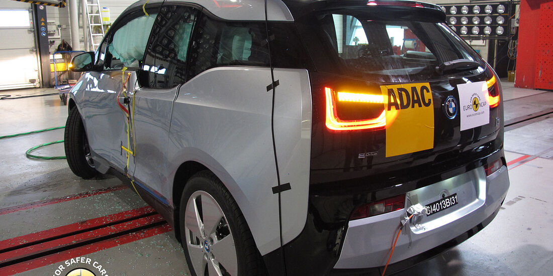 11/2013, EuroNCAP-Crashtest, BMW i3