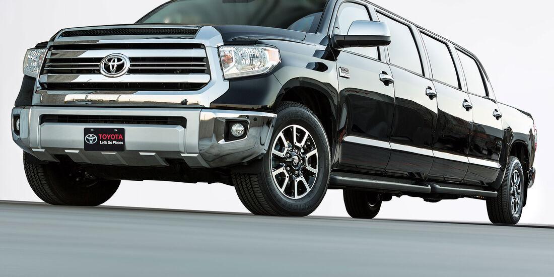 11/2015 Toyota auf der Sema 2015 Toyota TRD Tundasine