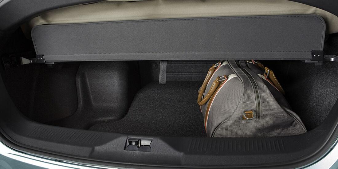 1110, Nissan Murano CC CrossCabriolet, Kofferraum