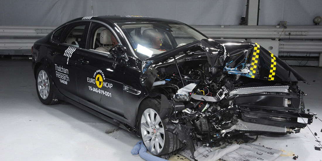 12/2015 EuroNCAP Crashtest Jaguar XF