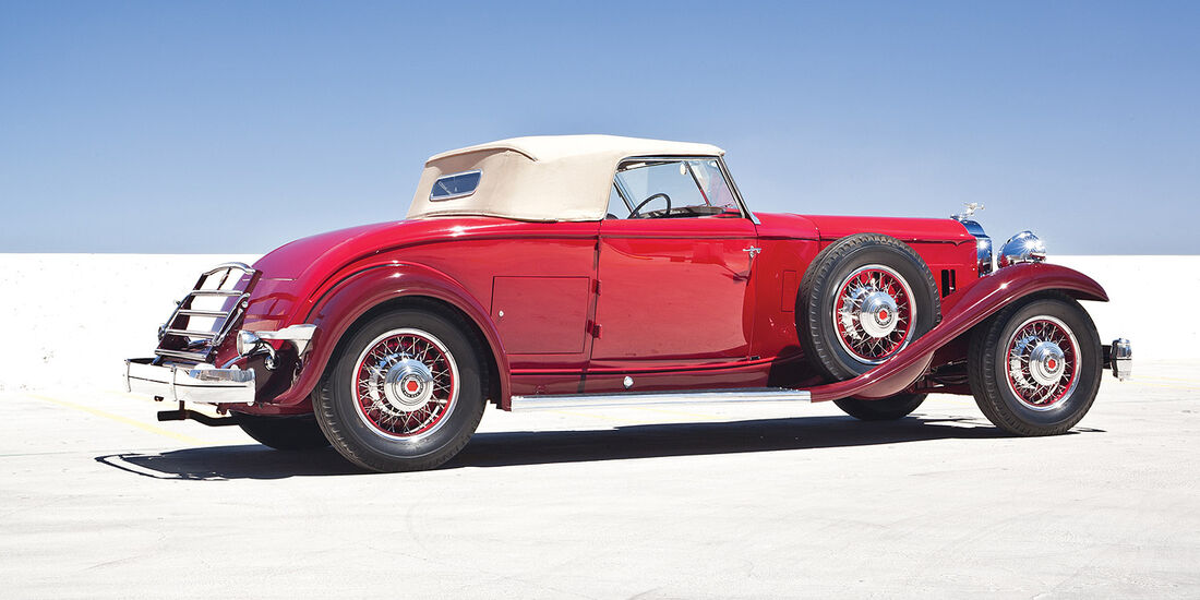1932er Packard Individual Custom Eight Convertible Coupe by In the Style of Dietrich Inc.