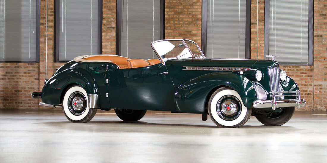 1940er Packard Super Eight One-Sixty Convertible Coupe by Rollson Inc.