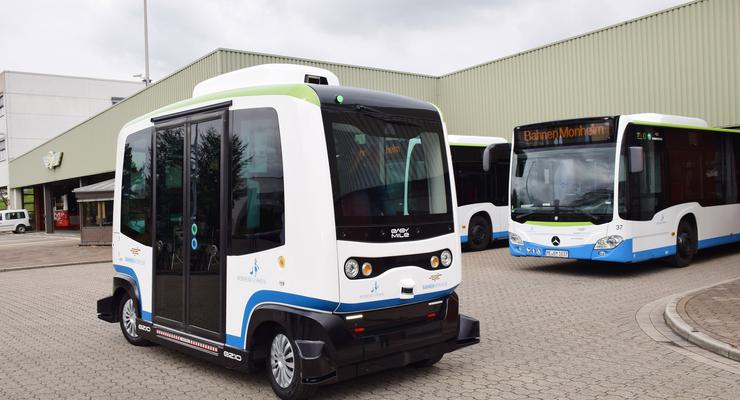 4/2019,Easy Mile autonomer Bus Monheim am Rhein