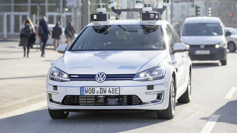 4/2019, VW autonom e-Golf Hamburg