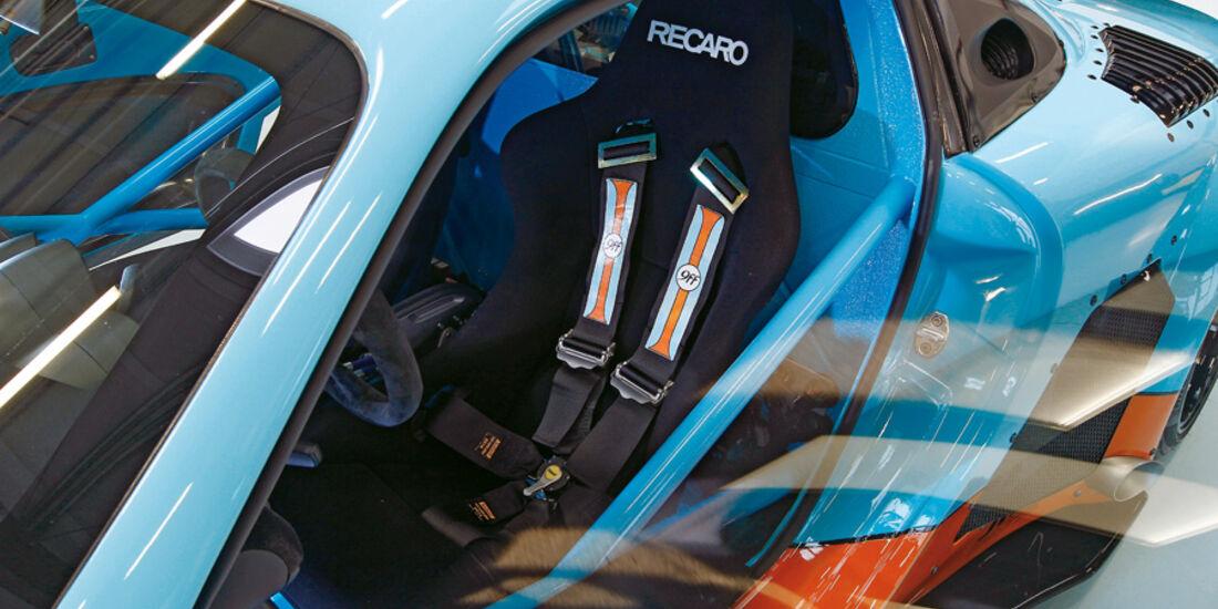 9ff GT9-CS, Fahrersitz