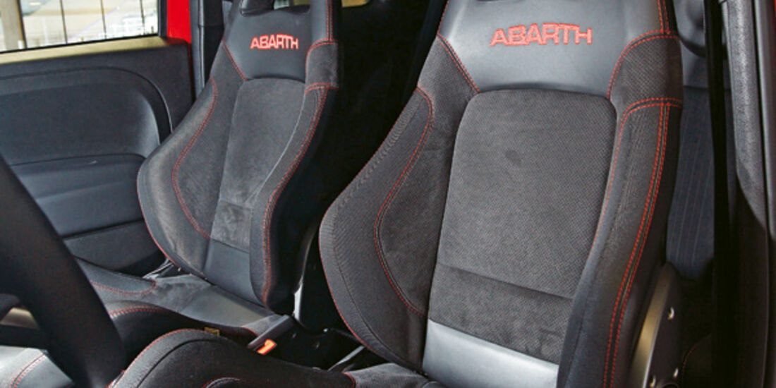 Abarth 695 Tributo Ferrari, Fahrersitz
