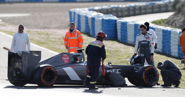 Adrian Sutil - Crash - Sauber - Jerez-Test 2014