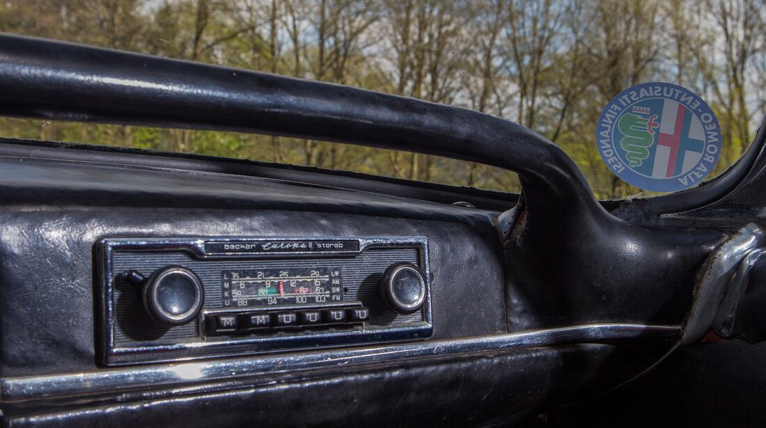 Alfa Romeo 2600 Spider, Radio