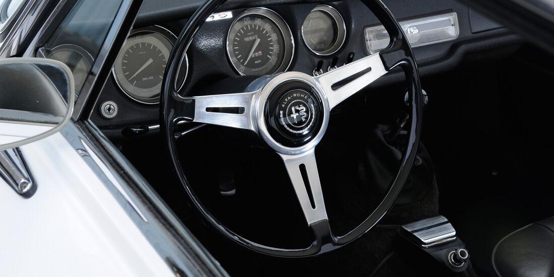 Alfa Romeo Bertone, Cockpit