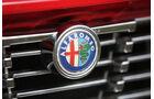 Alfa Romeo Bertone, Kühlergrill, Emblem