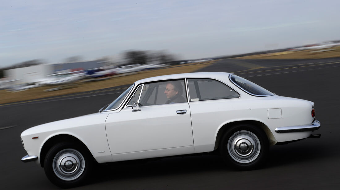 Alfa Romeo Bertone, Seitenansicht
