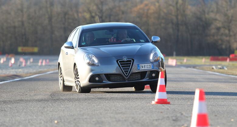 alfa romeo giulietta tests - auto motor und sport