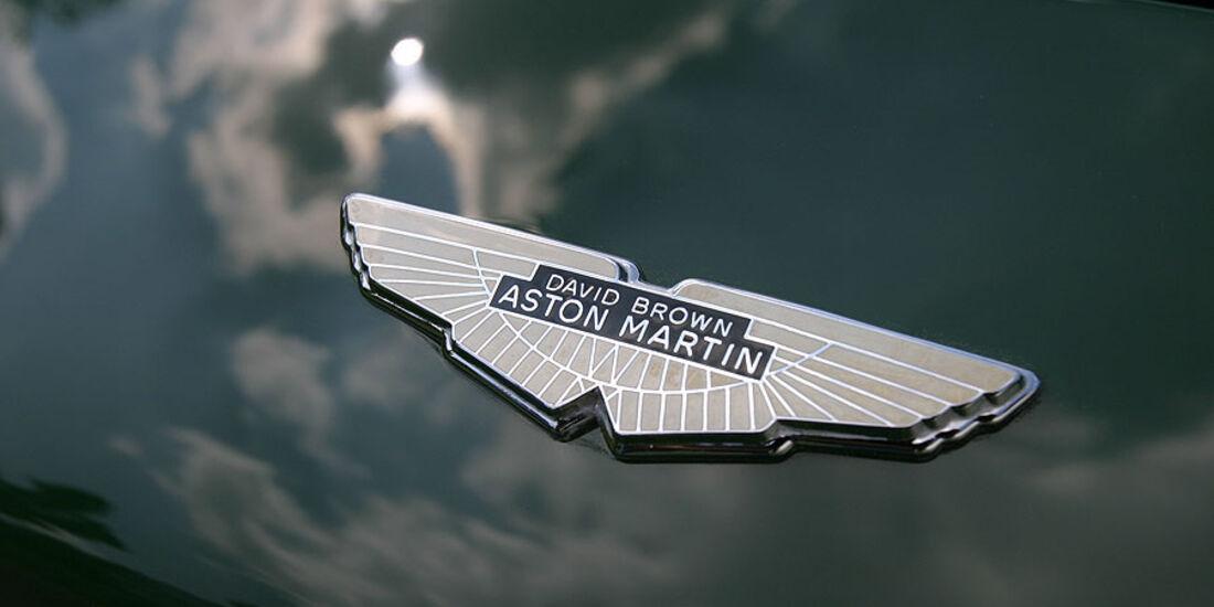 Aston Martin DB4 GT Emblem