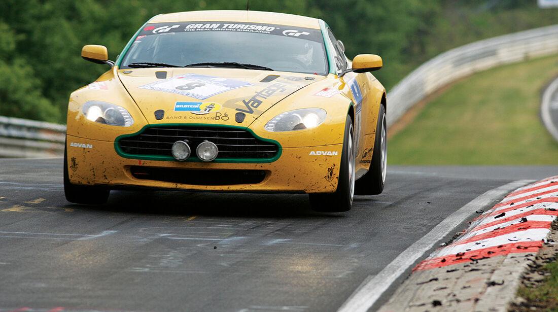 Aston Martin V8 Vantage N420, Rennversion, Nordschleife, Flugplatz, Sprung