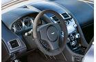 Aston Martin V8 Vantage S, Cockpit