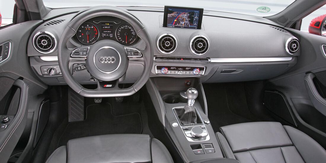 Audi A3 1.8 TFSI, Cockpit, Lenkrad