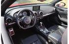 Audi S3 Cabrio, Cockpit