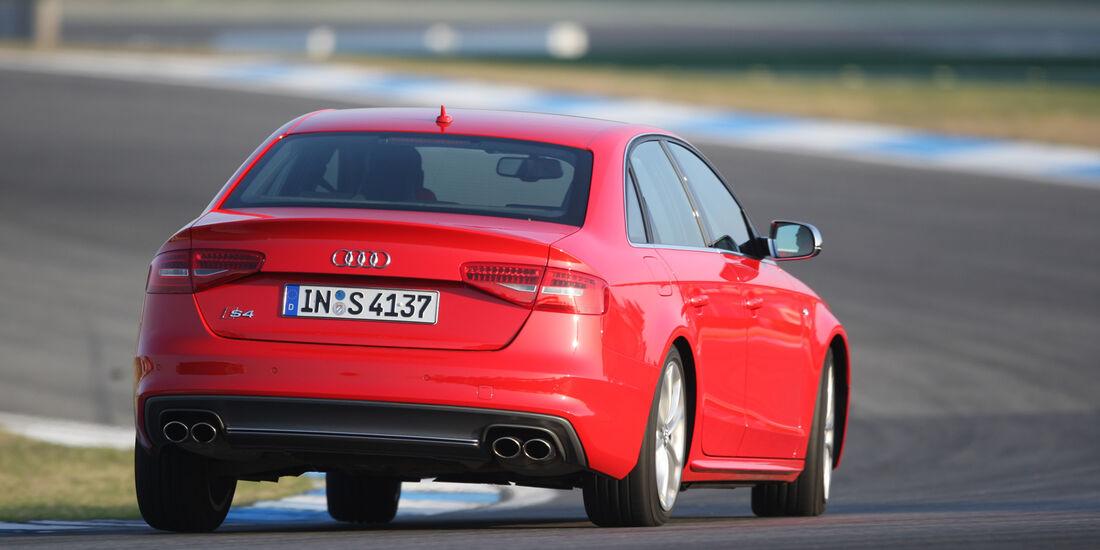 Audi S4 3.0 TFSI, Heck, Kurvenansicht