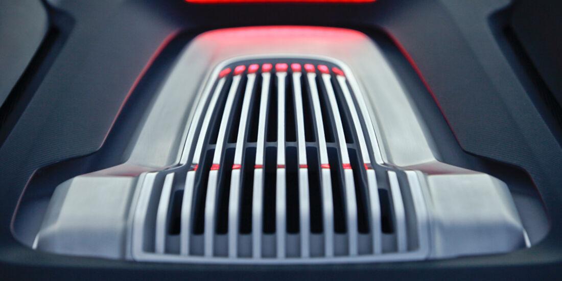 Audi e-tron Spyder, Motorabdeckung