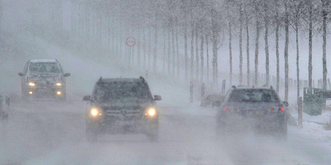 Auto Schnee winter