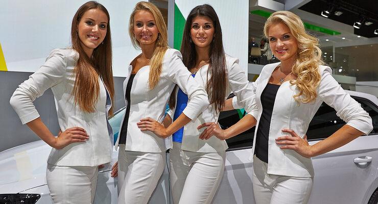 Autosalon Paris Girls