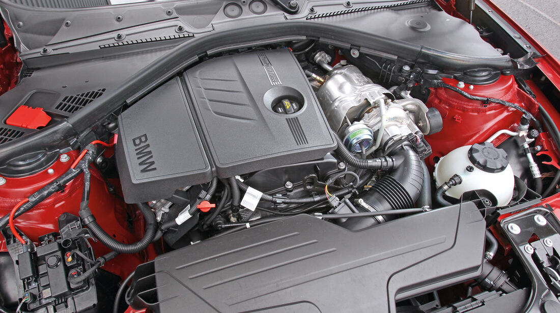 BMW 118i, Motor