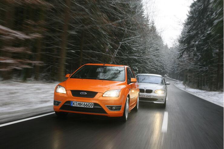 BMW 130i gegen Ford Focus ST 01