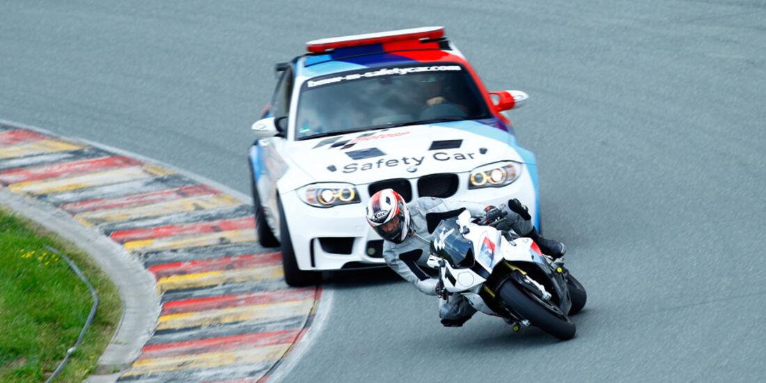 BMW 1er M Coupé, BMW S 1000 RR, Frontansicht, Fahrt