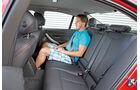 BMW 320i, Rücksitz, Beinfreiheit