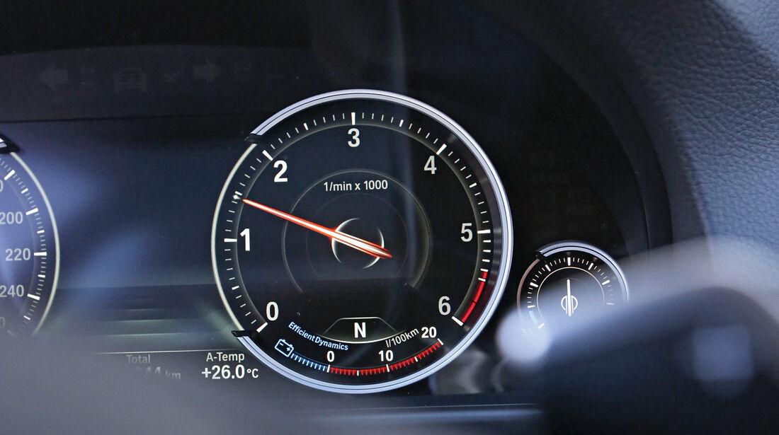 BMW 520d Touring, Rundinstrument