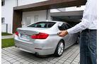 BMW Assistenzsysteme, Parken per Fenbedienung