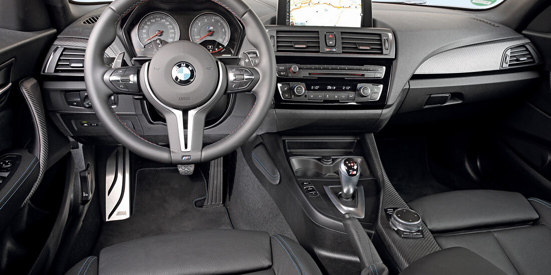 BMW M2 Coupé, Cockpit