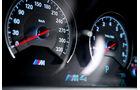 BMW M4, Rundinstrumente
