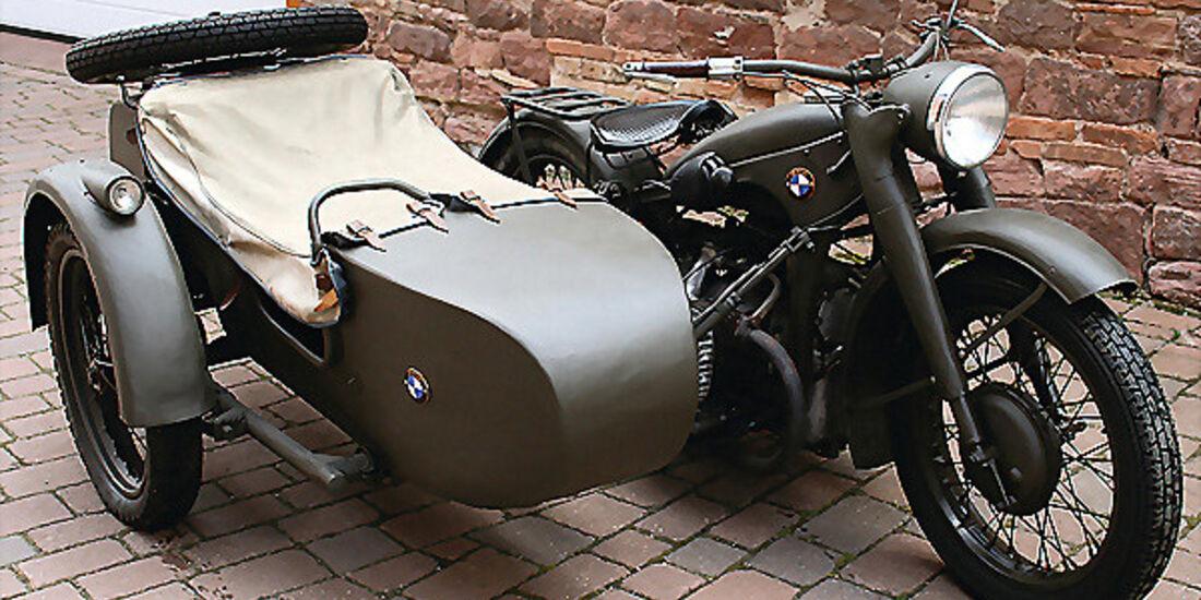 BMW R 12 mit Beiwagen