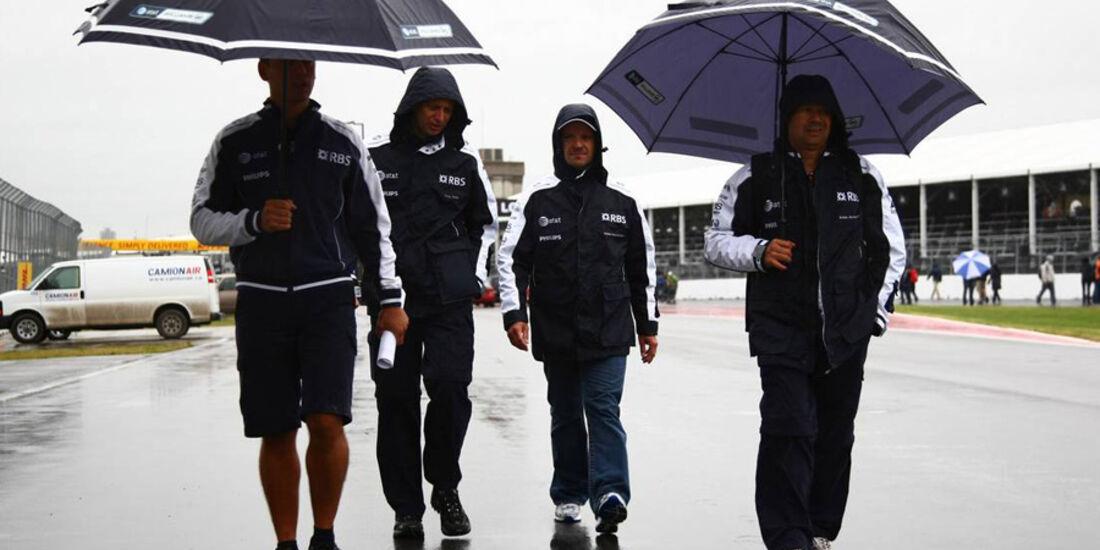 Barrichello bei der Streckenbegehung