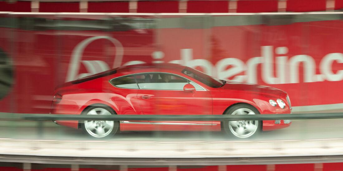 Bentley Continental GT, Seitenansicht, hinter Glas