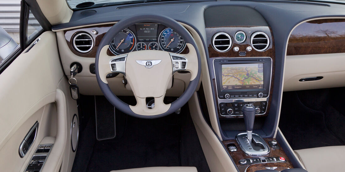 Bentley Continental GTC, Cockpit, Lenkrad