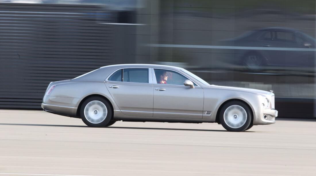 Bentley Mulsanne, Fahrt, Seitenansicht