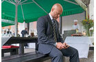 Bodyguard, Michael Kuhr, Telefon