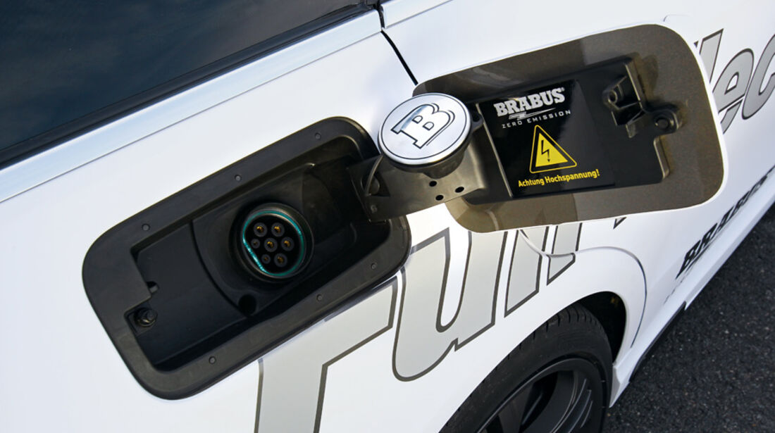 Brabus E4WD Full Electric, Stromzufuhr, Tankdeckel