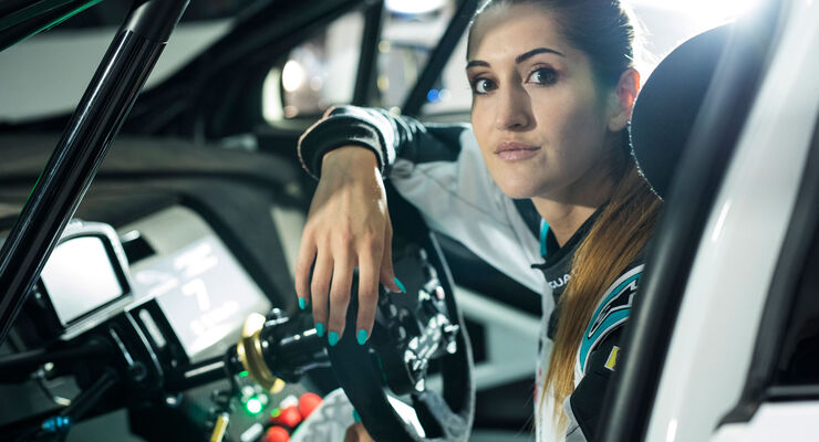 Célia Martin - Viessmann Jaguar eTrophy Team Germany - Jaguar I-Pace