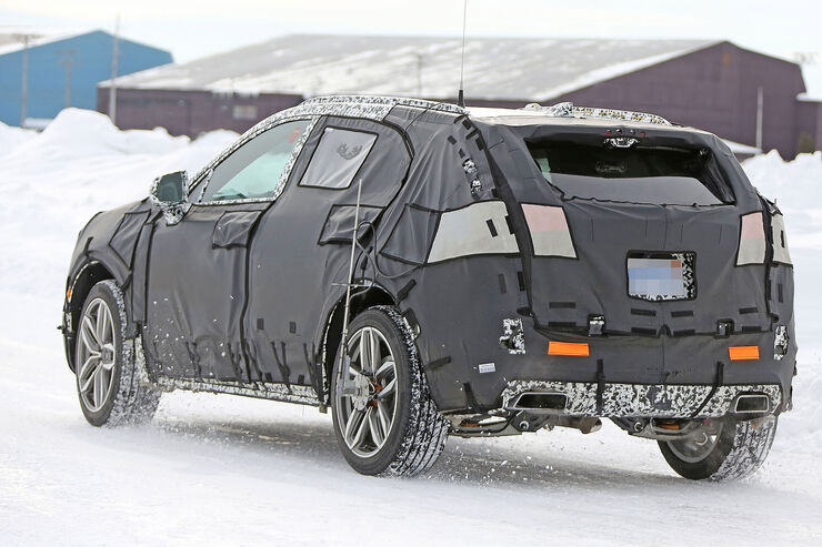 Cadillac-XT3-Erlkoenig-fotoshowBig-3245959b-1007371