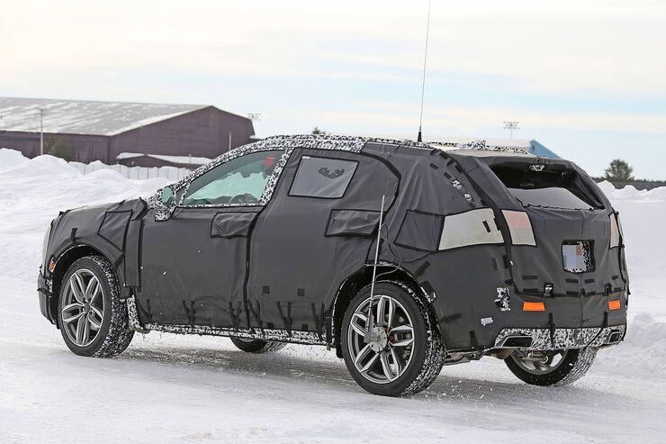 Cadillac-XT3-Erlkoenig-fotoshowBig-34bb63c3-1007370