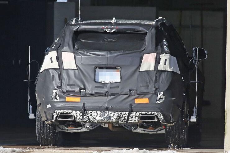 Cadillac-XT3-Erlkoenig-fotoshowBig-74a980f4-1007376