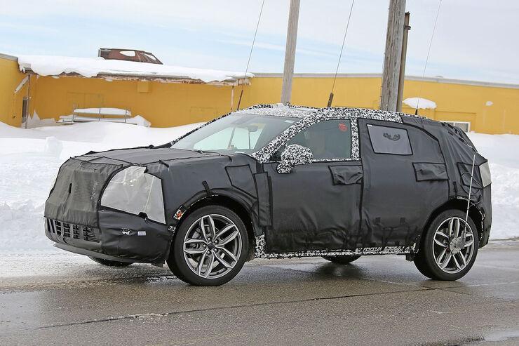 Cadillac-XT3-Erlkoenig-fotoshowBig-c1e3d0cc-1007368