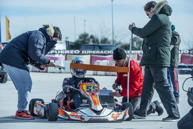 https://imgr4.auto-motor-und-sport.de/Carlos-Sainz-Fitness-Training-Formel-1-2017-fotoshowBig-cbcc0f0a-1006425.jpg