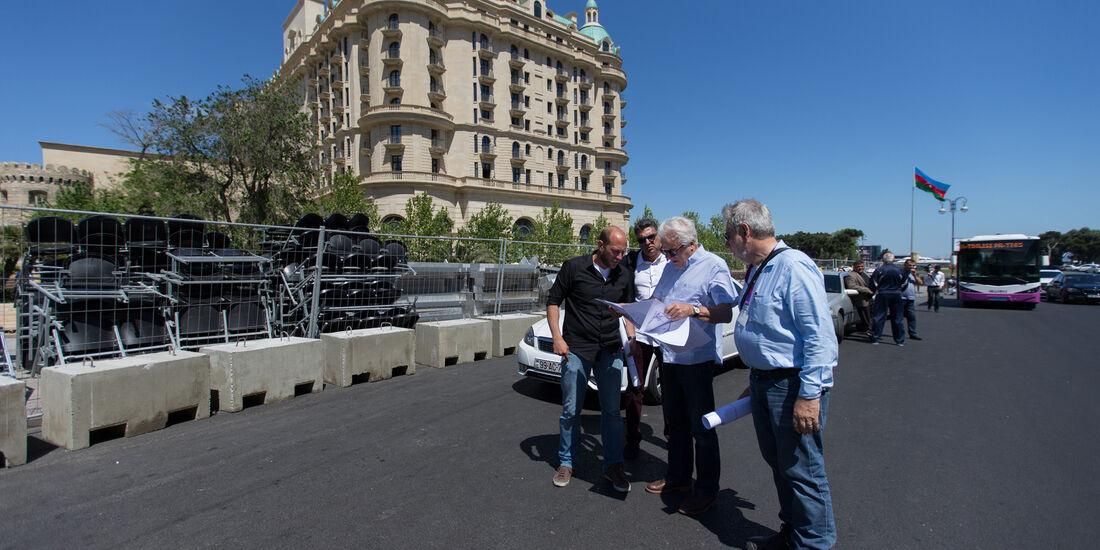 Charlie Whiting & Hermann Tilke - Inspektion - Baku Street Circuit 2016